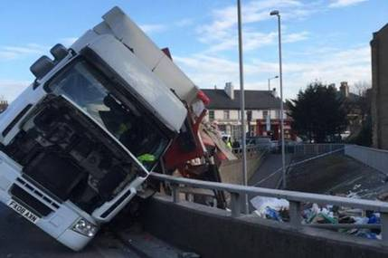 lorry-flip