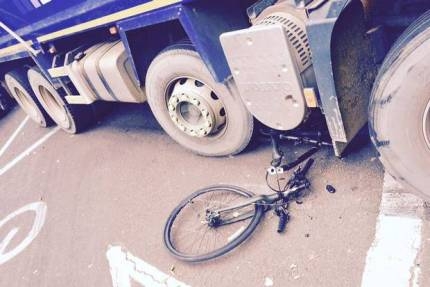07072015cyclistsslight